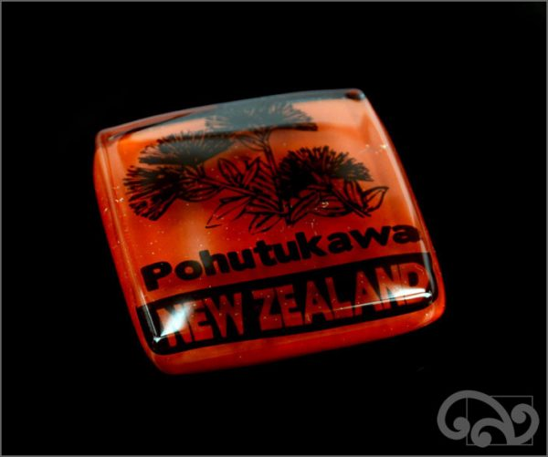 Pohutukawa glass note weight