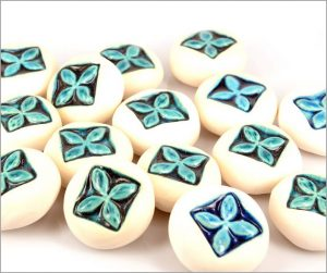 Ceramic tapa pebbles