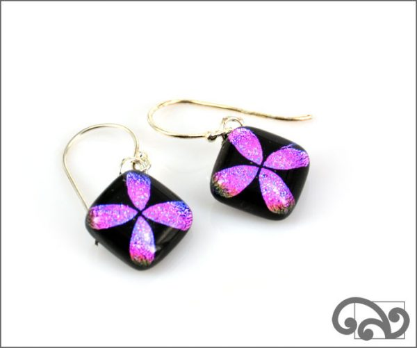 Purple glass earrings with tapa design