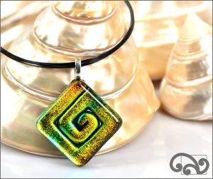 Square koru glass pendant