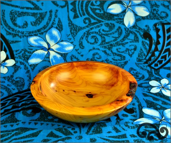 Small NZ yew bowl