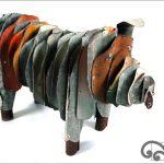 Corrugated iron piglet