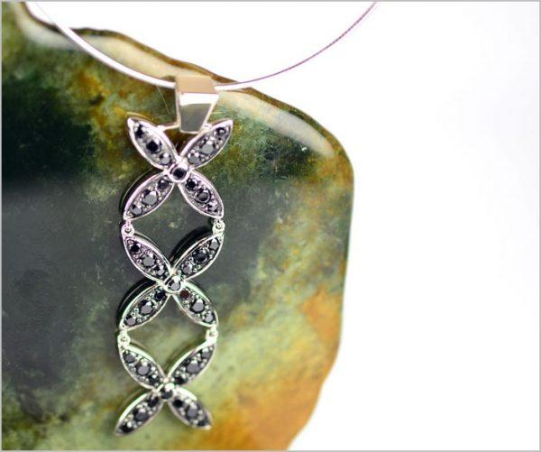 Beautiful black onyx pendant with tapa design