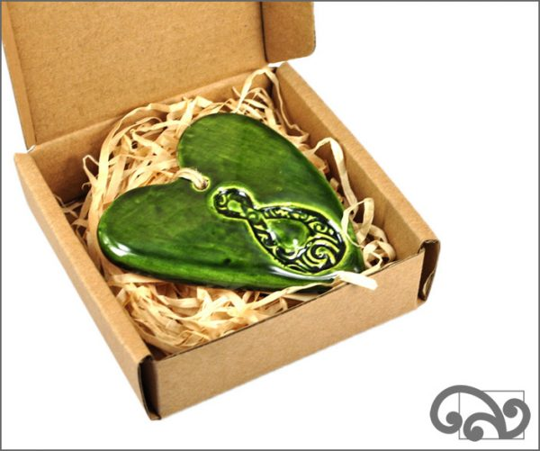 Green ceramic heart with twist