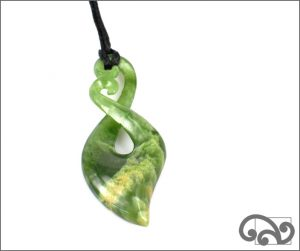 Beautiful greenstone twist pendant