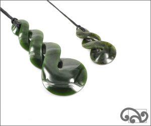 Triple twist greenstone pendant