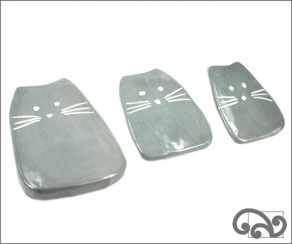 Grey ceramic cats